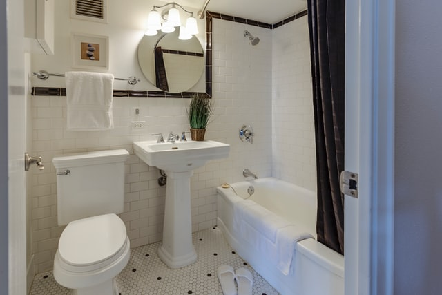 Renovation Tips to Transform Your Old Bathroom Into a Dreamy One